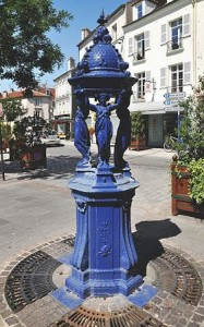 Wallace fountain located at Rue de Maurepas (photo by Moonik).
