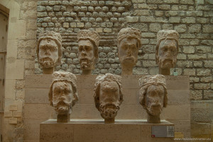 Heads_in_Cluny_museum,_June_2013