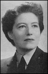 Vera Atkins, WAAF squadron officer. Photo by United Kingdom (1946). PD-Britishgov. Wikimedia Commons.