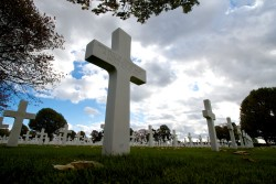 Unknown Soldier Cross. Photo by Visserp (2013). PD-CCA-Share Alike 3.0. Wikimedia Commons.