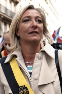 Marine le Pen at the 1st of May National Front's rally in honor of Joan of Arc. Photo by Marie-Lan Nguyen (2010). PD-CCA Share Alike 3.0 Unported. Wikimedia Commons