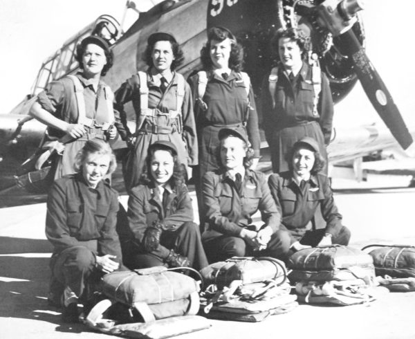 WASP Pilots at Love Field, Texas, 1943. Photo by U.S. Army Air Forces (1943). PD-USGOV. Wikimedia Commons.