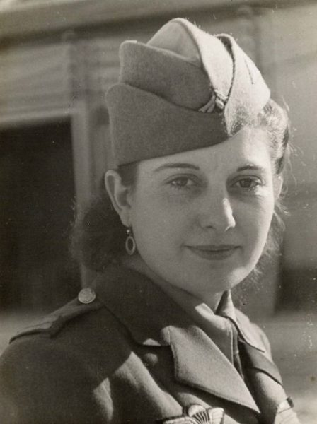 Lieutenant Jeannette Guyot, Free French Forces. Photo by anonymous (c. 1944). With gratitude to Dominique Soulier and Collection SUSSEX 1944 – MM Park – 67610 La Wantzenau.