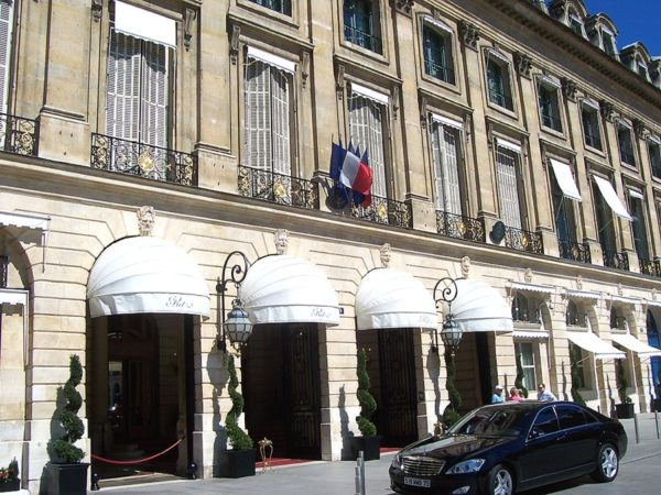 Exterior of entrance to the Hotel Ritz Paris. Photo by MarkusMark (May 2009). PD-Release by Author. Wikimedia Commons.