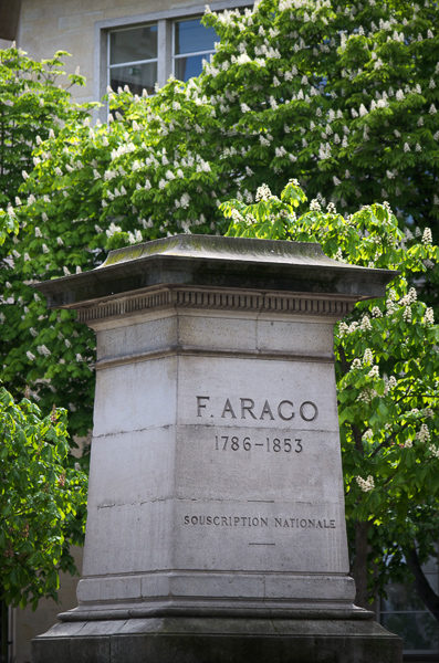 Pedestal where the statue of François Arago once stood. Photo by Scott Dexter (April 2012). PD-CCA-Share Alike 2.0 Generic. Wikimedia Commons.
