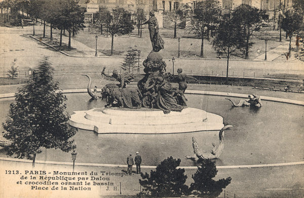 The Triumph of Republic (1899), Place de la Nation. Notice the alligators and serpents in the basin. Sculpture by Jules Dalou. Postcard photo by anonymous (c. 1910). PD-70+. Wikimedia Commons.