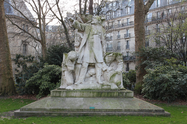 Fragment of the enormous monument to Léon Gambetta. This was part of the stone base. Now located in Square Edouard Vaillant−Paris (20e). Photo by Pyb (March 2011). PD-GNU Free Documentation License v.1.2. Wikimedia Commons.
