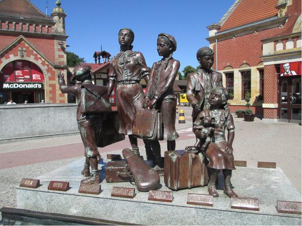 Kindertransport memorial in Gdansk, Poland. Photo by Dr. Avishai Teicher (2013).