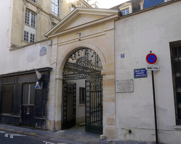 7, rue des Grands Augustins. Photo by Mbzt (6 January 2012). PD-Creative Commons Attribution 3.0. Wikimedia Commons.