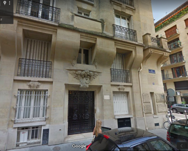 Exterior of apartment building where Etta and Kitty lived. Photo by Google Maps (date unknown).